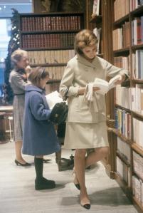Fashion In Barnes & Noble