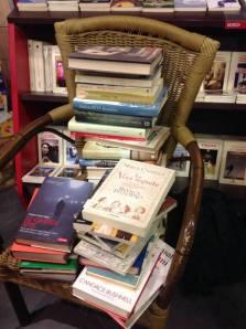 I libri sòla e -ben nascosta- la blogger @LeggendoLibri
